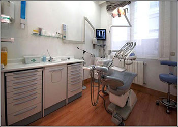 gabinete-periodoncia-clinica-dental-velazquez-dentista-madrid