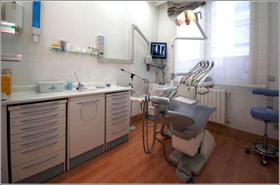 gabinete-periodoncia-clinica-dental-velazquez-dentistas-madrid