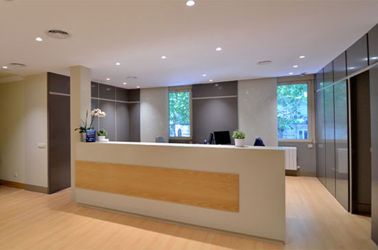 recepcion-clinica-dental-velazquez-dentistas-madrid